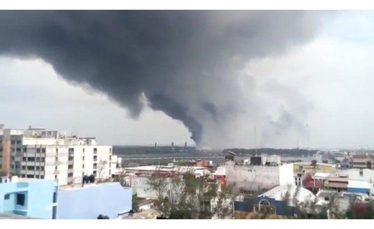 México: 3 muertos en explosión en petroquímica