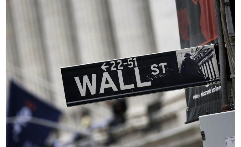Wall Street cae y rompe racha alcista de tres días