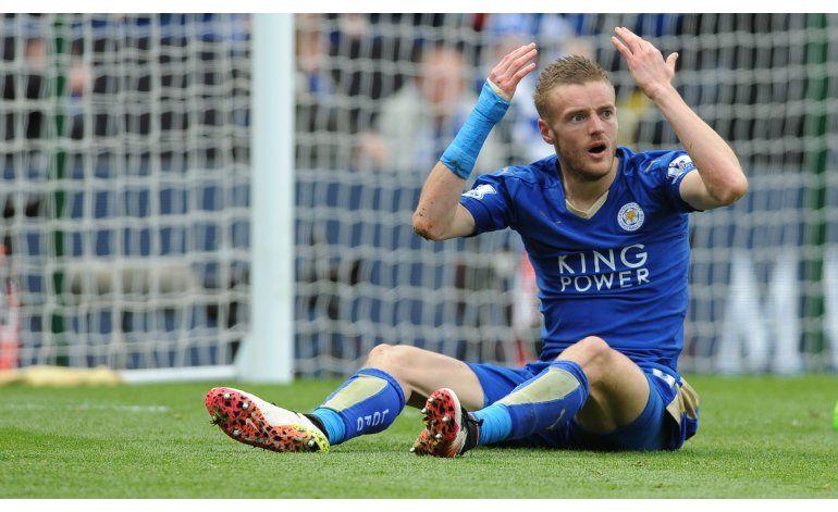 Goleador de Leicester Vardy acepta cargo de mala conducta