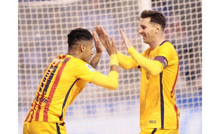 Un reanimado Barcelona recibe al Sporting con máxima presión