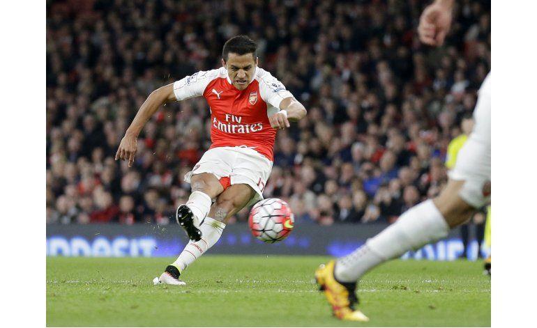 Doblete de Alexis en triunfo de Arsenal