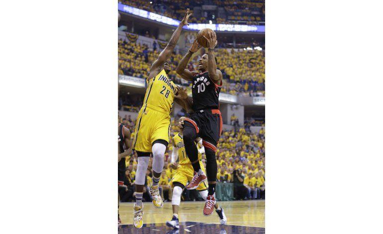 DeRozan recupera la puntería y Raptors arrollan a Pacers