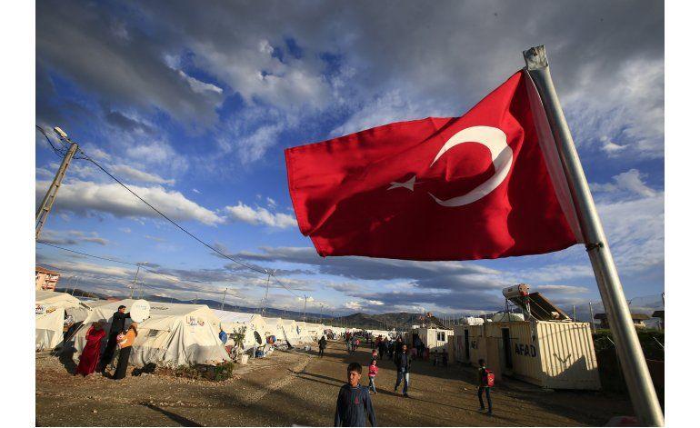 Merkel y líderes UE viajarán a Turquía por plan migrante