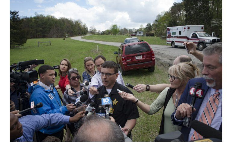 Matan a 8 familiares en Ohio; el atacante sigue prófugo