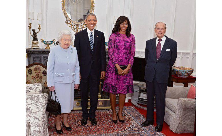 Obama se reúne con la realeza británica