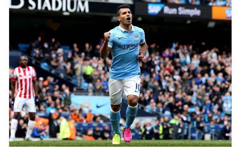 Man City golea a Stoke en la liga Premier