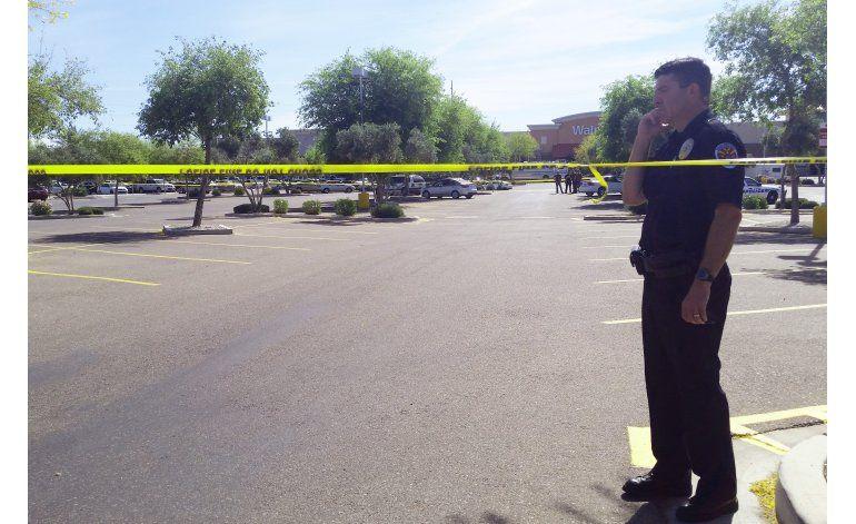 Atacante muere tras balear a 2 policías en Phoenix