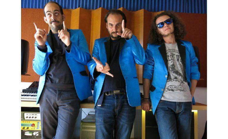 Agrupación Cariño cruza límites del rock y lo popular