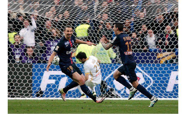 Goles de Di María y Pastore dan al PSG la Copa de Liga