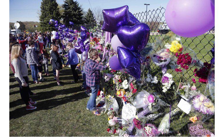 Prince es incinerado y conmemorado en ceremonia privada