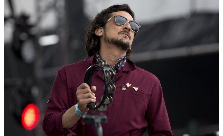 Lafourcade conmueve al Vive Latino hasta la raíz