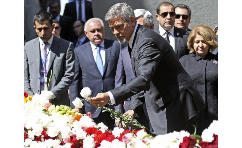George Clooney asiste a ceremonia por masacre de armenios
