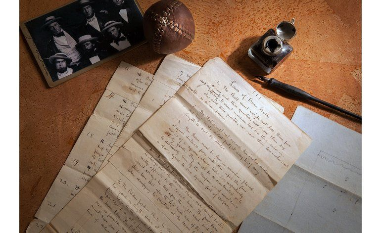 Subastan documentos de Leyes del Béisbol en 3 millones