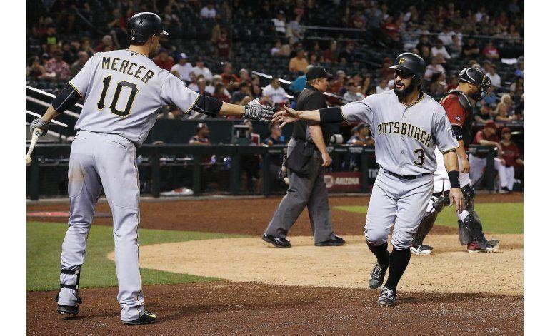 Piratas se imponen a Diamondbacks en 13 innings