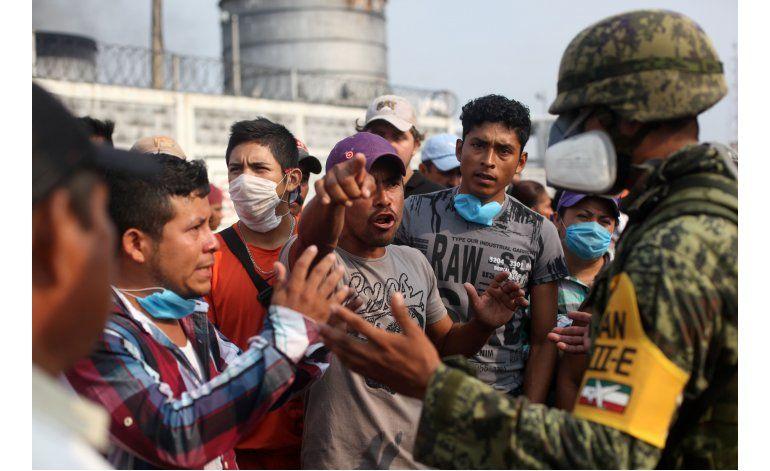 México: Suben a 32 los muertos por explosión en petroquímica