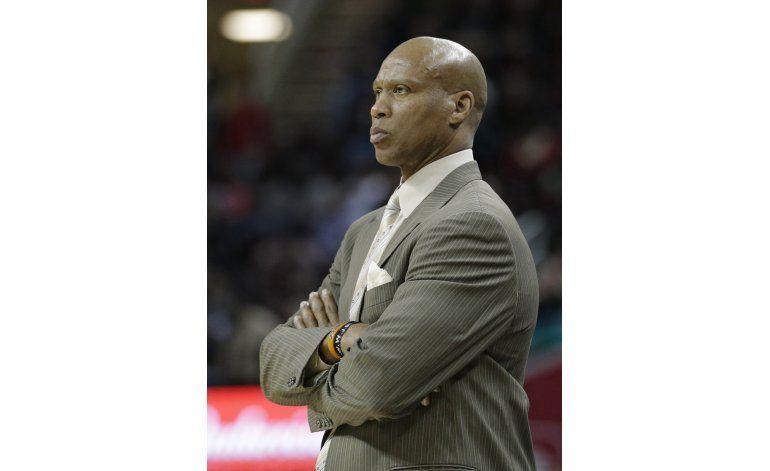 Fuente AP: Byron Scott no volverá como entrenador de Lakers