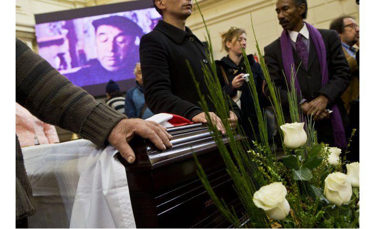 Chile despide a Neruda en la víspera de su entierro