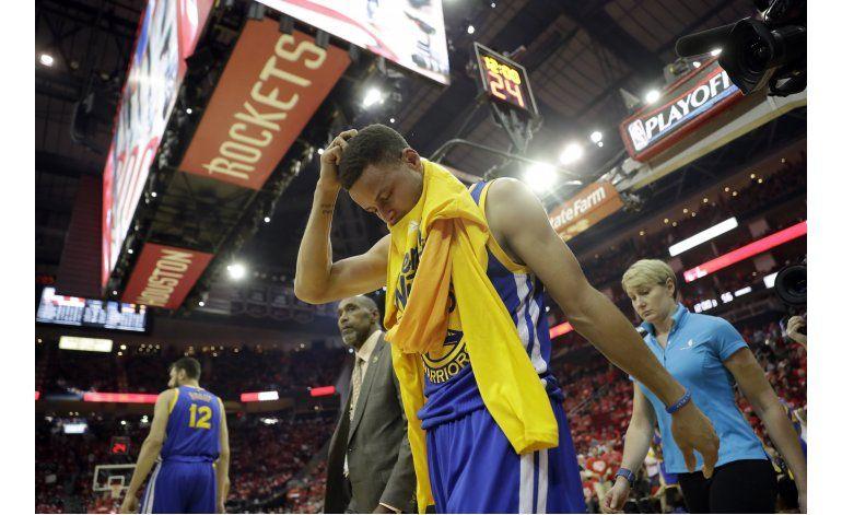 Curry se perderá al menos 2 semanas por esguince en rodilla