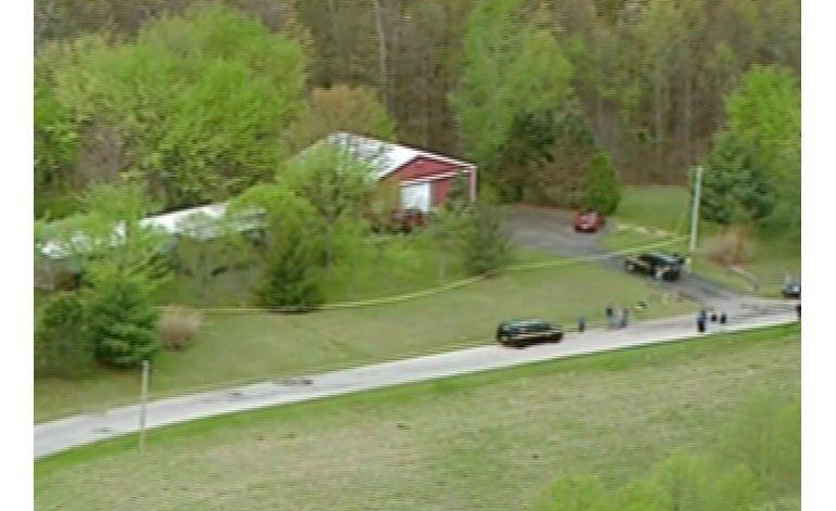 Encuentran sembrados de marihuana en las casas de los ocho miembros de una familia ejecutada en Ohio