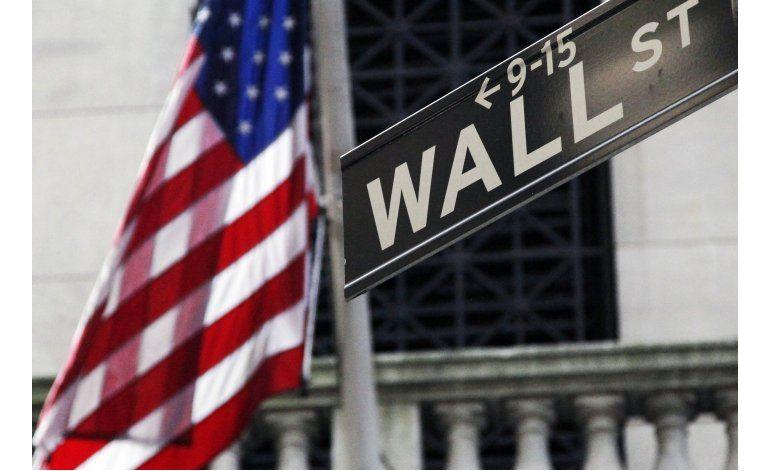 Wall Street cierra con pérdidas tras descenso en el petróleo