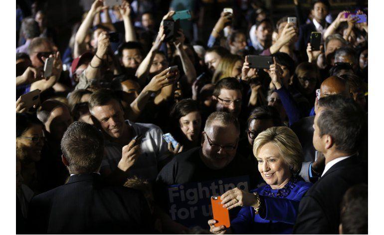 LO ULTIMO: Clinton dice que mitad de gabinete serán mujeres