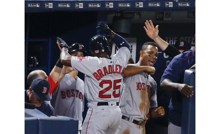 Porcello y Bradley conducen triunfo de Boston ante Bravos