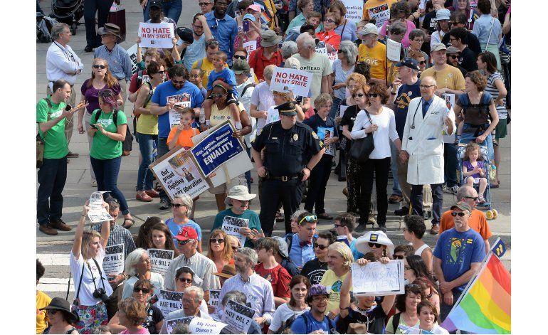 Más de 50 arrestos durante protesta en North Carolina