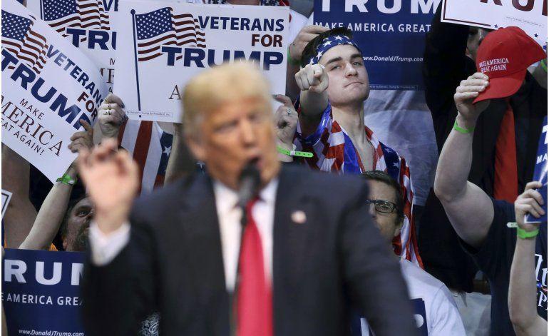 Trump y Clinton ganan primarias en el noreste de EEUU