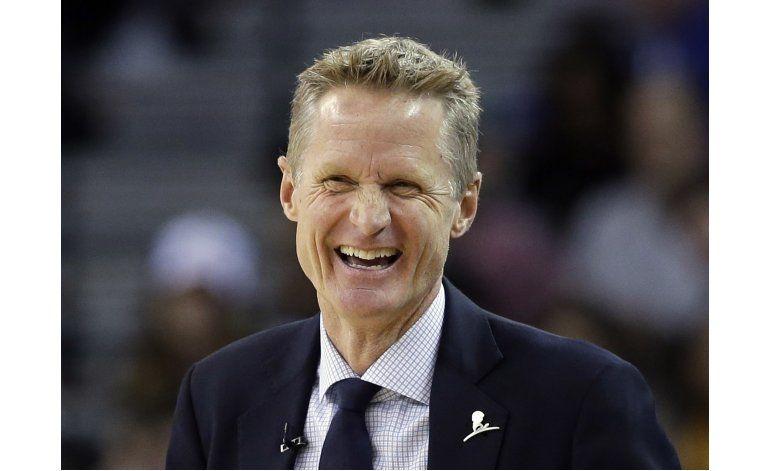 Steve Kerr elegido entrenador del año en la NBA