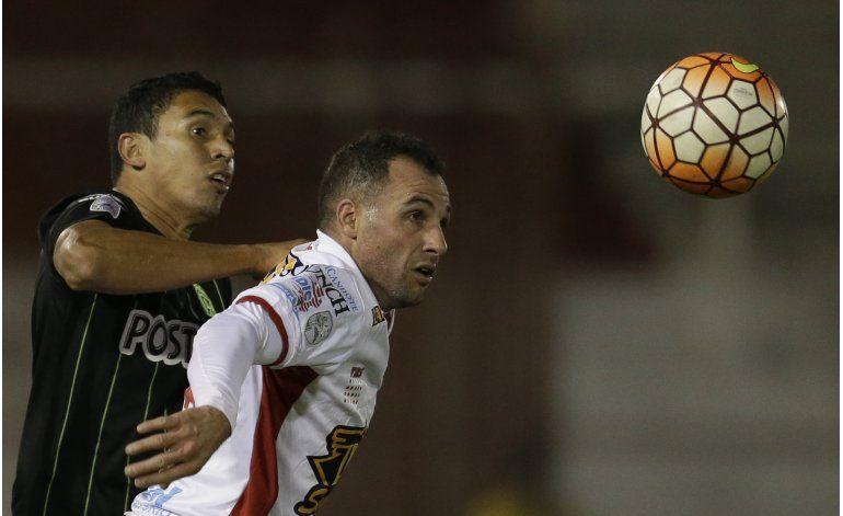 Huracán y A. Nacional igualan 0-0 en la ida de los octavos