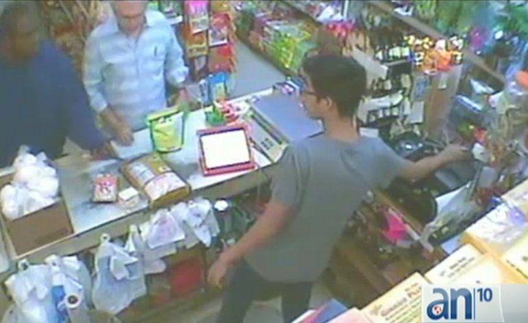 Buscan a ladrón de tienda en Hialeah