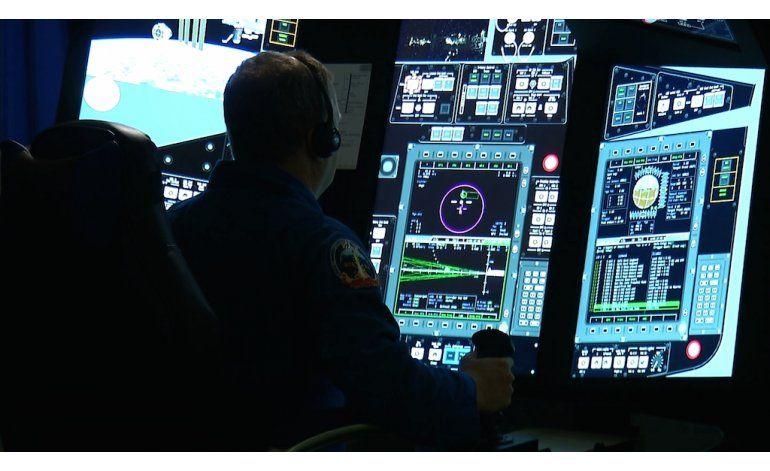 Astronautas de NASA preparan vuelos comerciales al espacio