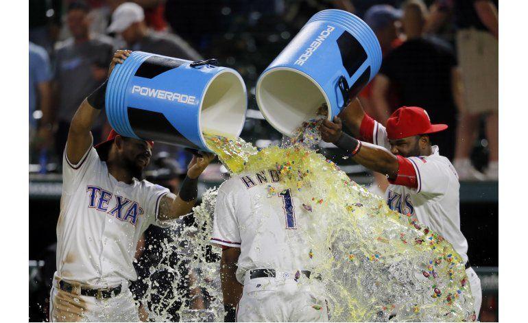 Rangers superan a Yanquis con triple de Andrus