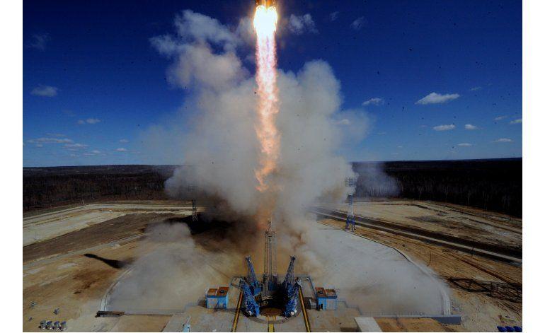 Rusia lanza el primer cohete desde su nuevo Cosmódromo