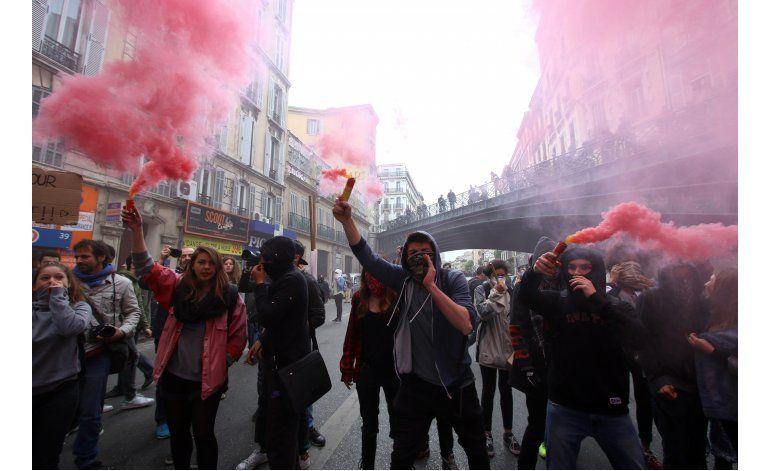 Huelgas y protestas en Francia contra reforma laboral