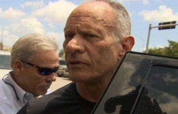 Ex Alcalde Carlos Álvarez sale de la cárcel