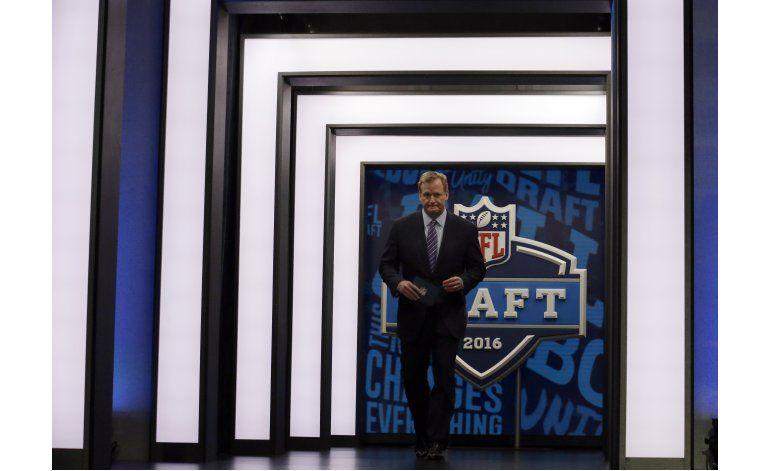 Piden revisar fallo sobre conmociones en NFL