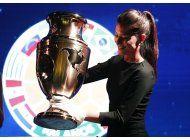 el trofeo de la copa america centenario se exhibe en bogota