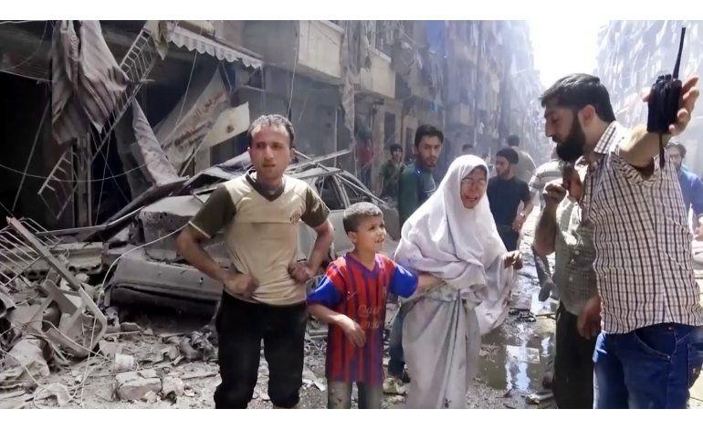 Cohetes rebeldes caen en mezquita en Alepo; 15 muertos