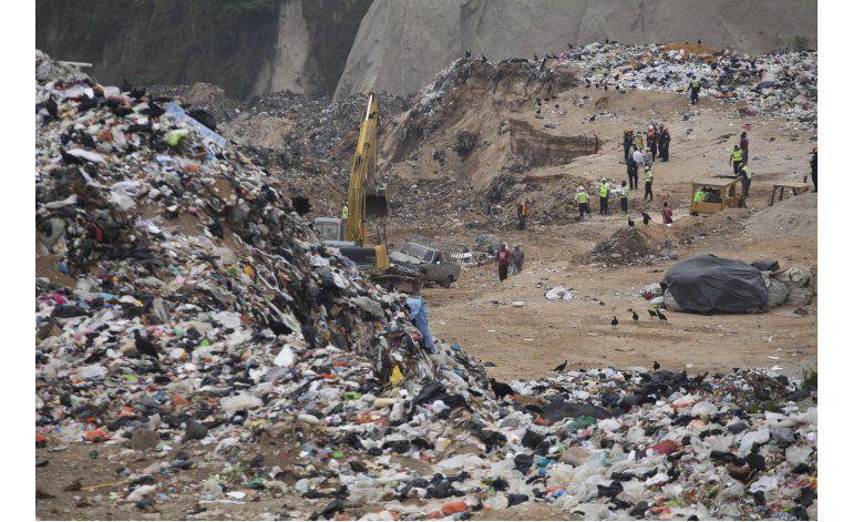 Guatemala: 24 desaparecidos en derrumbe de basurero