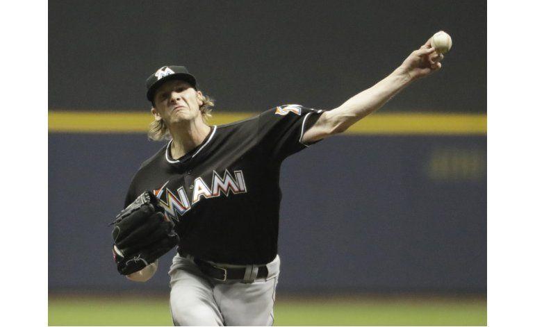 Conley, sin hits en 7 innings y Marlins ganan a Cerveceros
