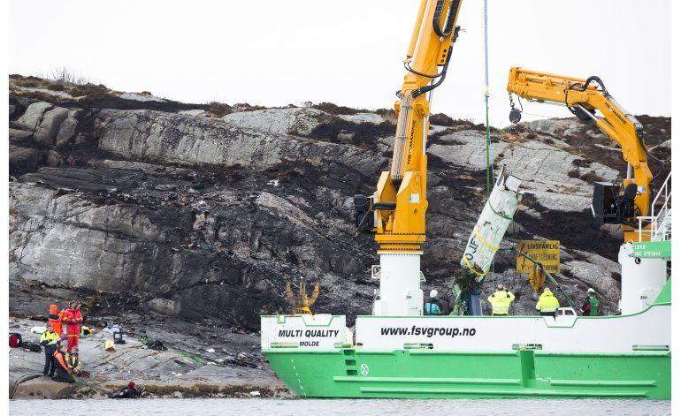 Noruega busca a 2 desaparecidos en choque de helicóptero