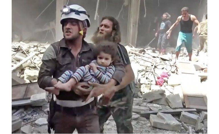 El ejército sirio bombardea Alepo y deja en paz otras zonas