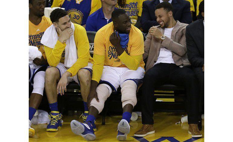 Curry: Lesión de rodilla pudo haber sido 10 veces peor