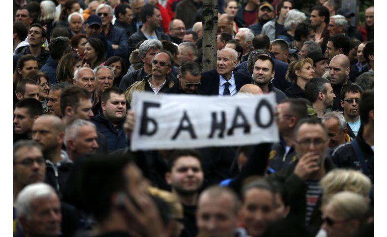 Protestas en Serbia por resultados de elecciones