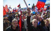 Miles marchan por el Día Internacional del Trabajo