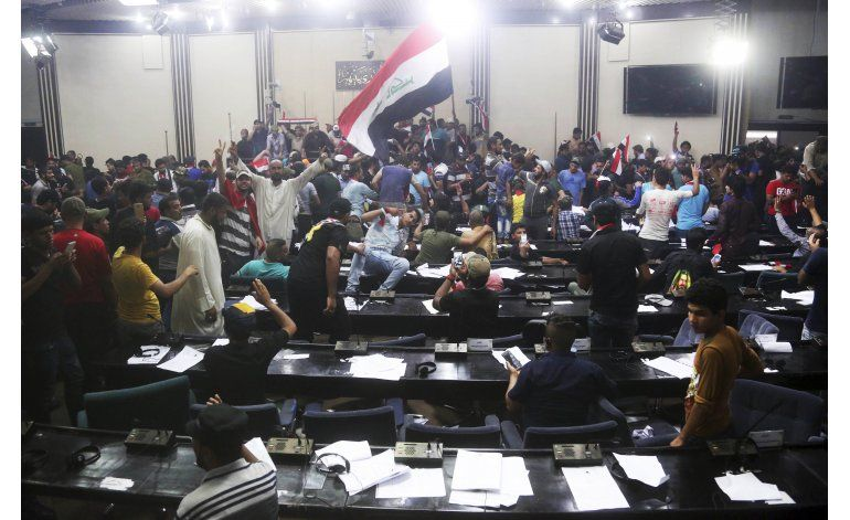 Irak: Disuelven protesta tras 2do ataque del Estado Islámico