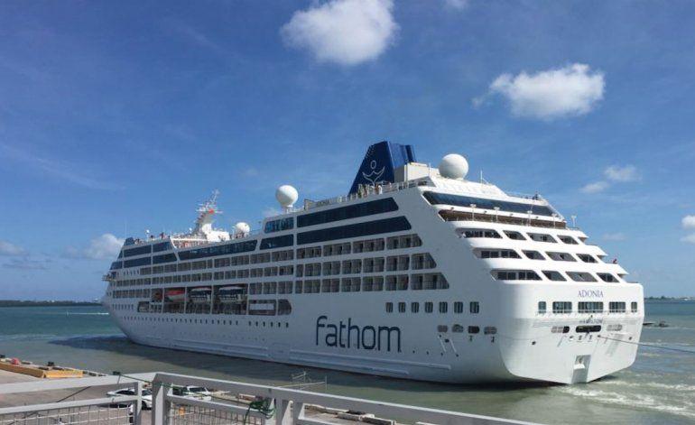 Parte hacia Cuba el primer crucero desde EEUU en medio siglo