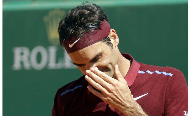 López elimina a Mayer en Madrid; Federer se retira