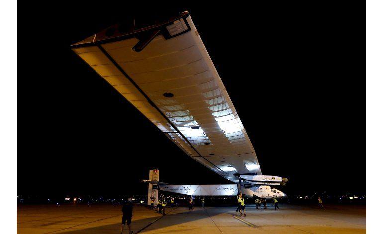 El avión solar llega a Arizona, dentro de su vuelta al mundo